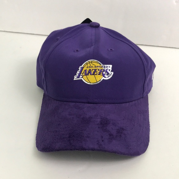 6372c0117bd LA Lakers Adjustable on court collection Hat New!